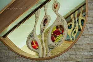 Decorative sculptures with stained glass in the role of guardrail stairs